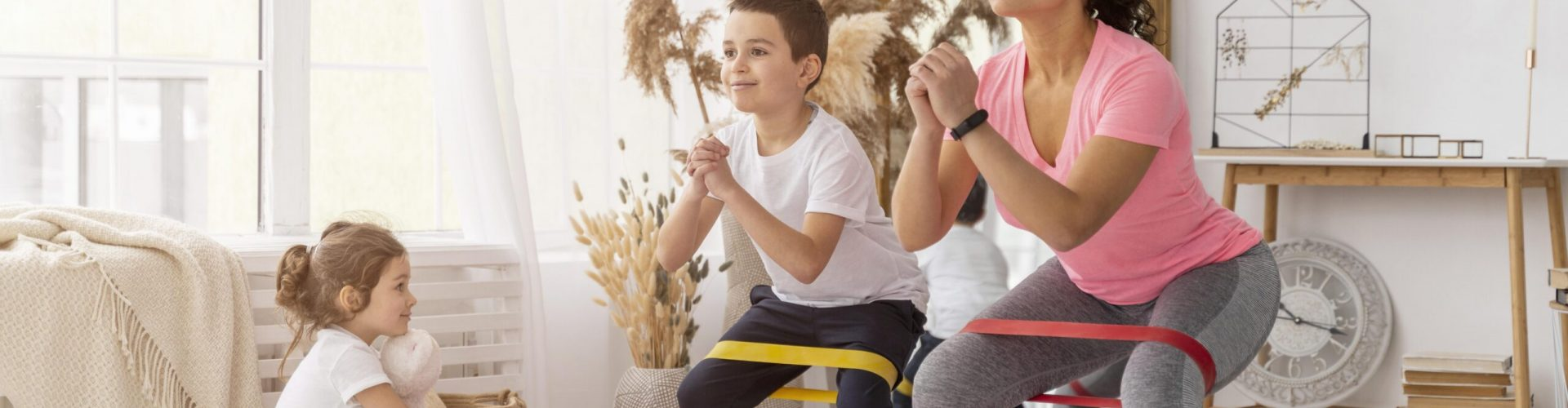 kids-adult-training-with-resistance-band
